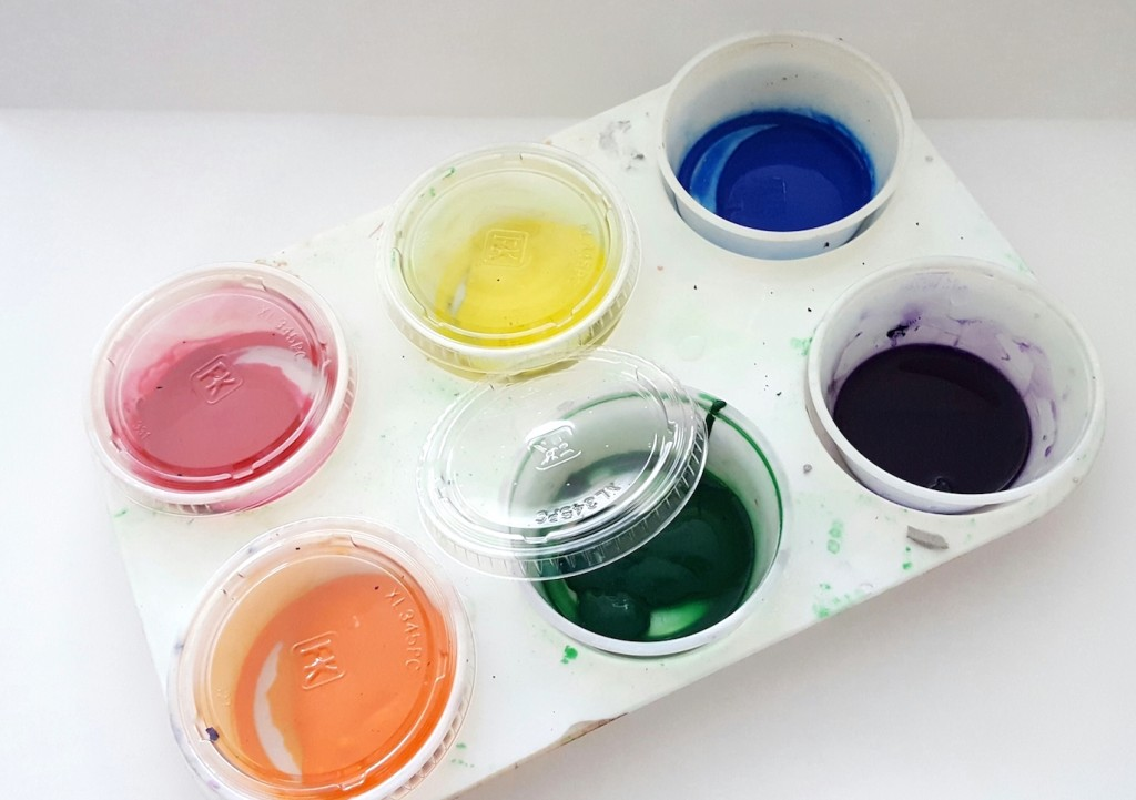 condiment cups and liquid paints