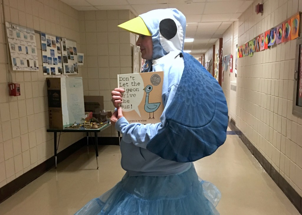 Lee as Mo Willem's Pigeon character