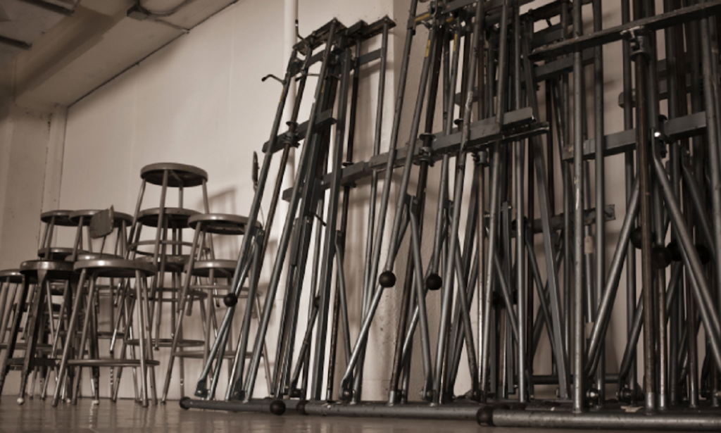 easels and stools