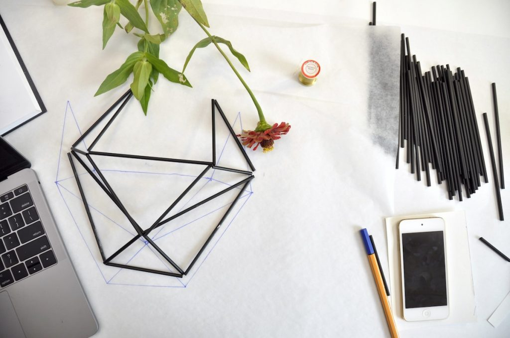 creating a 3d shape with straws